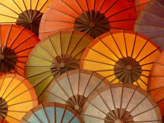 Paraguas de colores, Laos