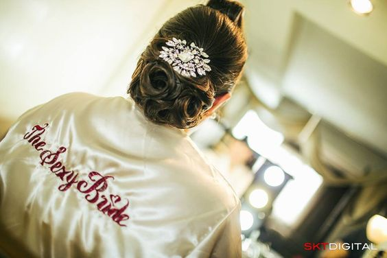 The sexy bride ;) #thehohons