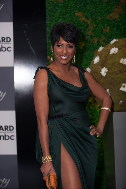 Is tamron hall married or dating
