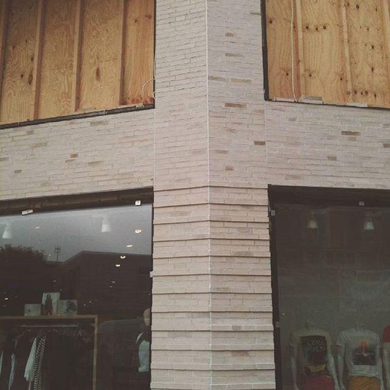 "Modehauses Jensen, Sylt, DE - Sortierung ""Weimar"" #hagemeister #clinker #brickarchitecture #brick #architecture #archilovers #iarchitectures #facade"