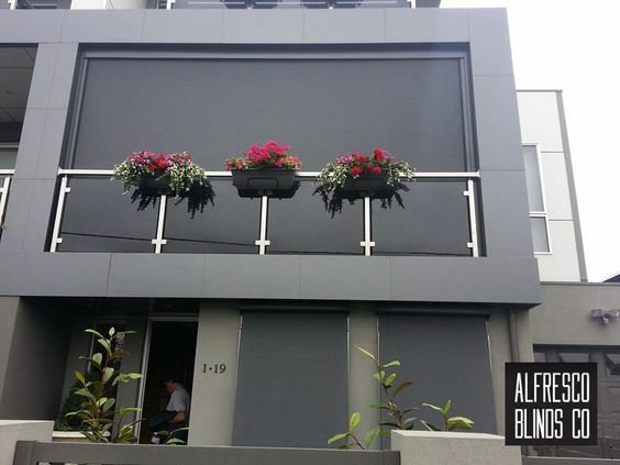 Blind for apartment balcony