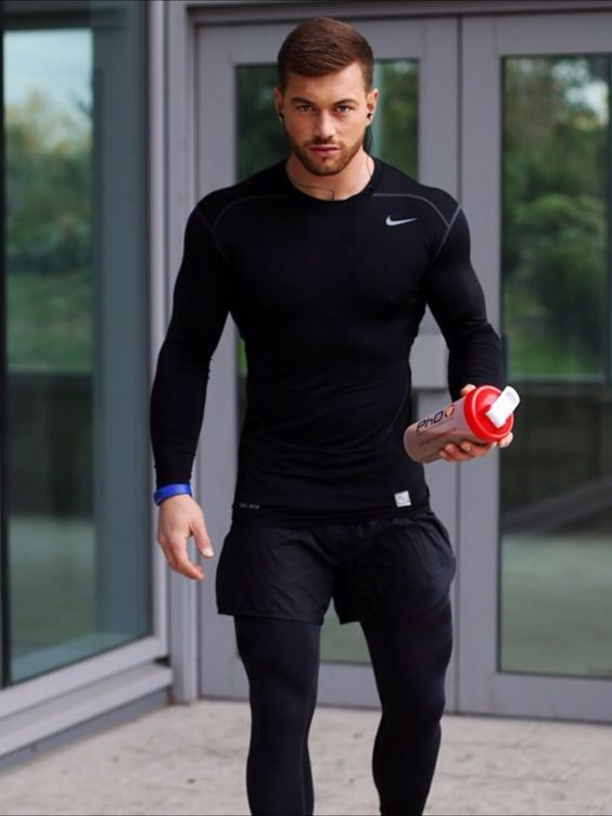 You have to love spandex, makes for the best men's athletic outfits!