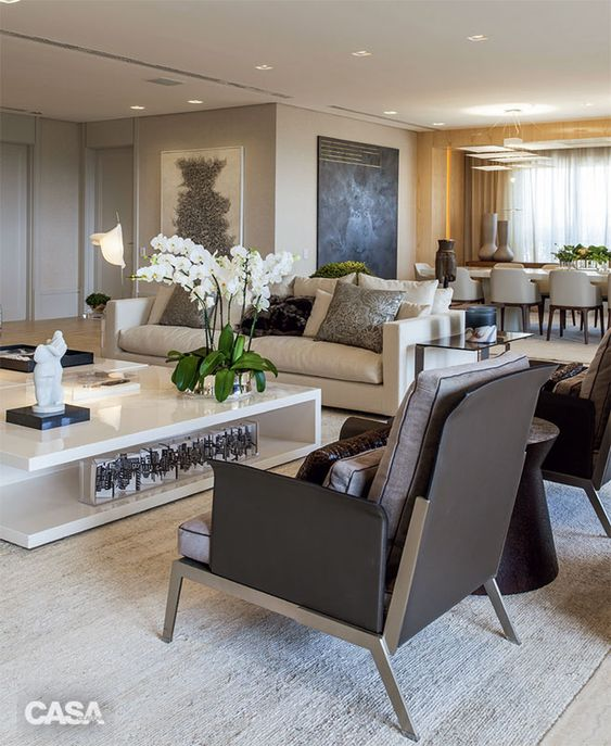 Quatro profissionais estrelados mostram aqui os segredos para criar uma sala que não sai de moda.