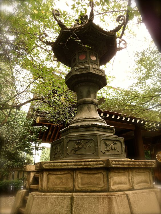 Stone Lantern at Yasukuni Shrine(靖国神社)