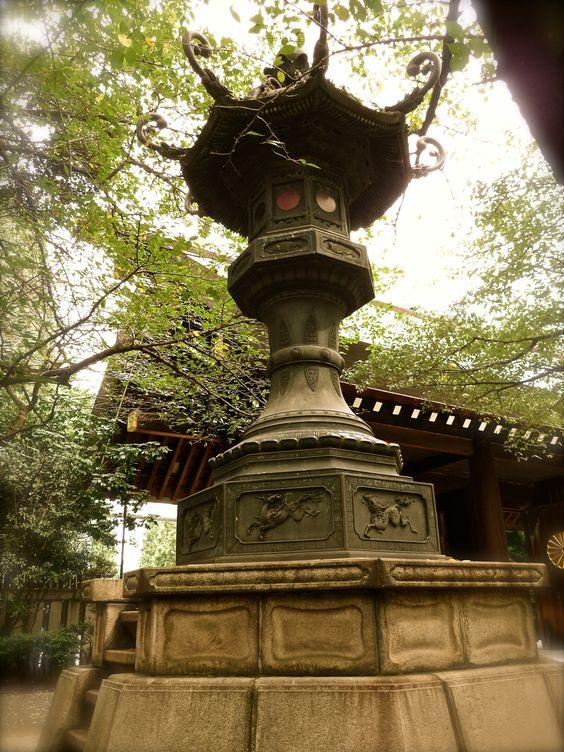 Stone Lantern at Yasukuni Shrine(靖国神社)