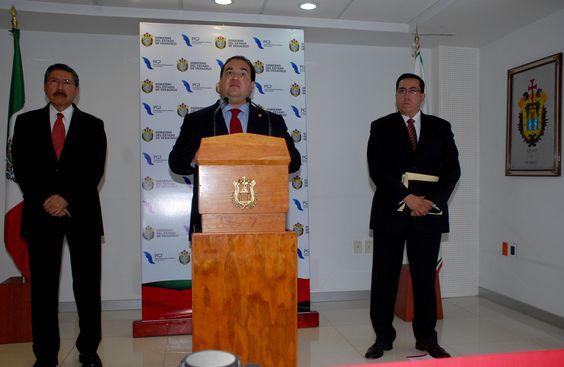 El Gobernador Javier Duarte de Ochoa, ratificó que con hechos y acciones de justicia, en Veracruz avanzamos en el combate a la impunidad y en el cumplimiento del compromiso que tenemos con la integridad y seguridad de todos los veracruzanos.