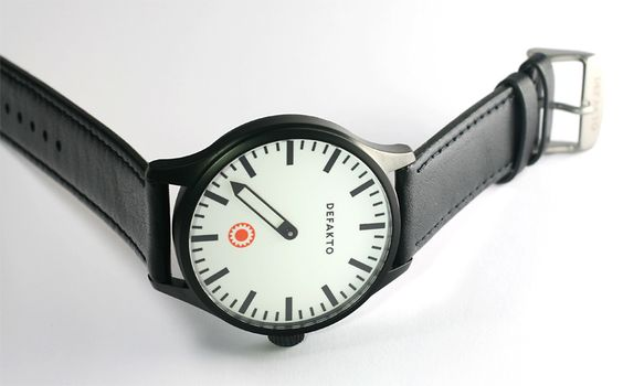One Hand Watch by Defacto: Only the minutes.