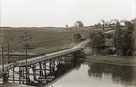 The old tole bridge looking south where you cross to Cushing.