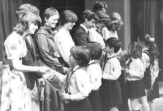 https://flic.kr/p/xAwgJY | Jugendweihe in der DDR ,DDR Kinder und Jugend,DDR Pioniere
