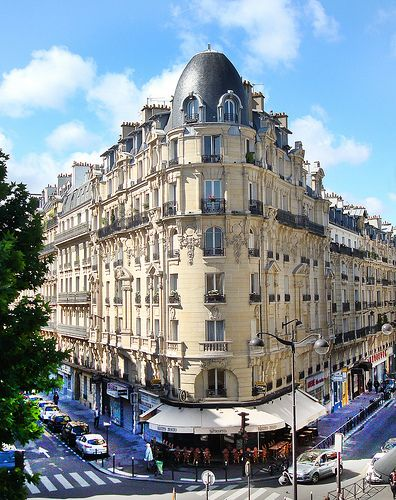 A Haussmann building in Paris. One distinct feature of Haussmann architecture in Paris is the uniform height of the building extending back along the entire block/quarter.