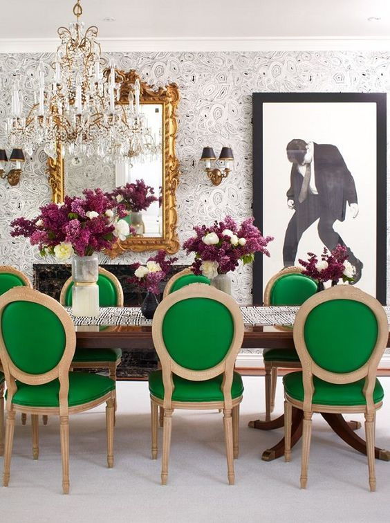 Mix And Chic Inside A Bold Striking And Glamorous Toronto Home Green Dining Room Interior Design Dining Room Dining Room Interiors