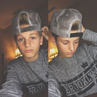 Hey I'm mark my sis is Taylor I'm single but ready to find a girl I'm New so chat