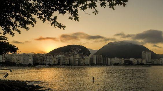 https://flic.kr/p/uySS9B | Um maravilhoso pôr-do-sol... Copacabana, Rio de Janeiro, Brasil. | A wonderful sunset at Copacabana...  Rio de Janeiro, Brazil. Have a great day! :-D  <u><i>To direct contact me / Para me contactar diretamente:</i> </u><b>lmsmartinsx@yahoo.com.br</b>