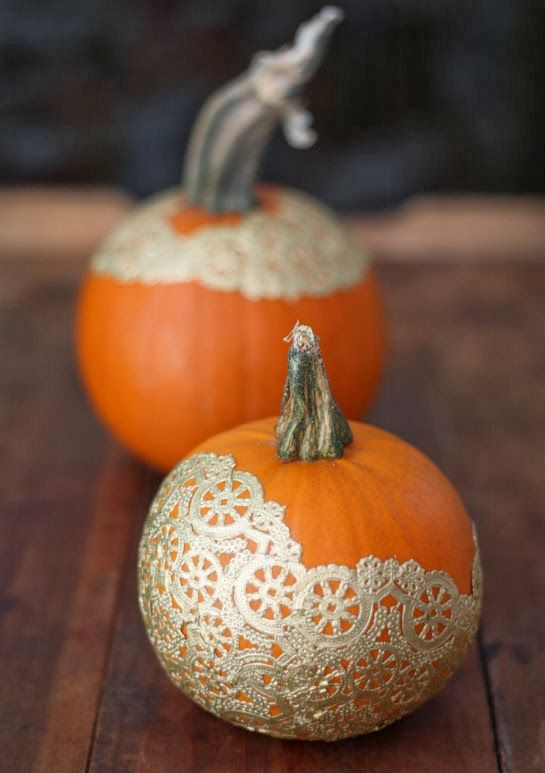 Pumpkin decorating. Paint the (fake) pumpkins white and use fabric doilies too.: