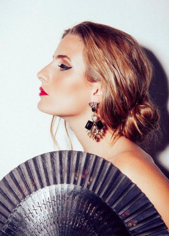 Beauty Photoshoot  Photo: Kat V Makeup: Mariana Peixoto Styling: Monica Magalhães Model: Madalena Lacerda   Maquilhagem * Cabelo * Acessorios * Moda