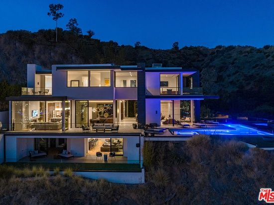 8366 Sunset View Dr Los Angeles Ca 90069 Zillow Hollywood