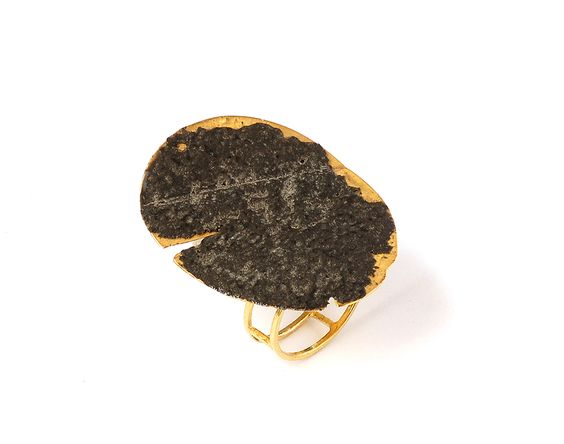 Stefano Marchetti Ring: Untitled, 2016 Gold, basalt-resin 4 x 2.5 x 3 cm Photo by: Stefano Marchetti: