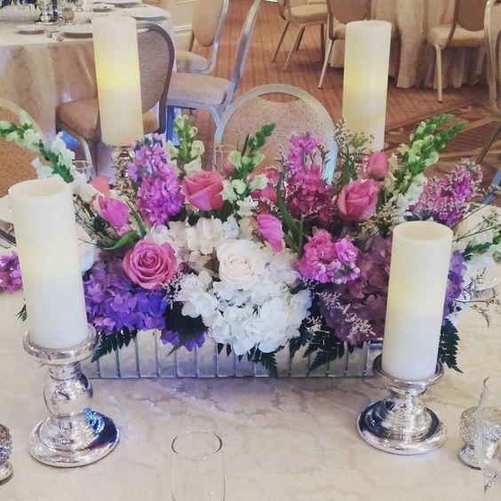 Spring colored wedding @thecarriagehousenj #southjerseyweddings #njflorist #southjersey #wedding #thegrandsavannah #knotweddings #weddingwire #bridebookflowers #centerpiece #mirrorbox @accentdecorinc #dvflora by betinas