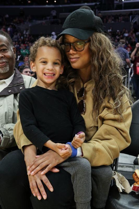 Tyra Banks York Banks Asla Celebs And Their Cute Kids In 2020 In 2020 The Beckham Family Tyra Banks Tyra