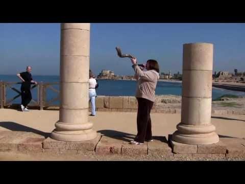 Linda playing sounding blowing Shofar in Israel Part 1 of 2.f4v Expert J...