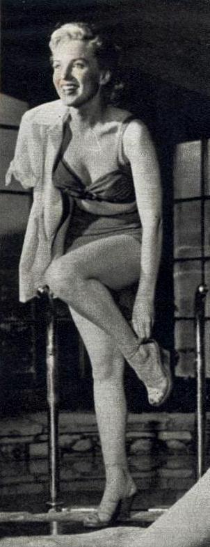 Marilyn photographiée par Earl Leaf en 1950
