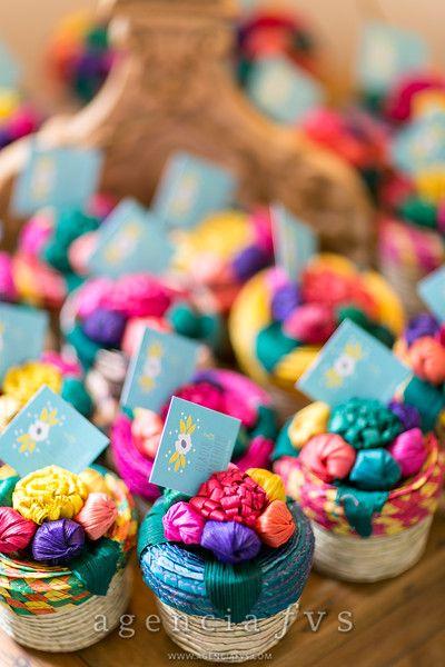 Faveurs de mariage: petits paniers mexicains - made in Mexico - avec des bonbons mexicains [Mariage Gladis et Matthieu]