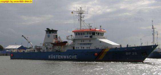 """Bundespolizeischiff BP-25 """"Bayreuth"""" der Bad Bramstedt-Klasse in Cuxhaven am 19. August 2008"""