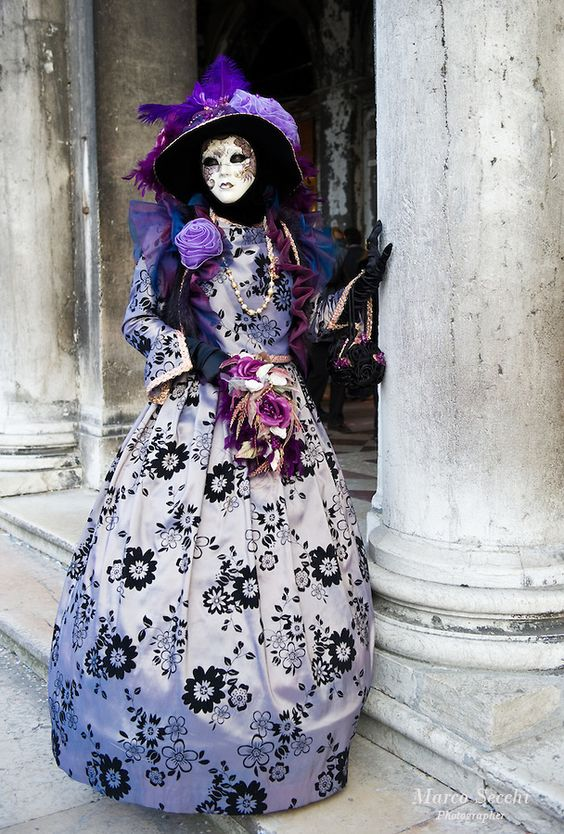 Venetian Carnival Costumes | VENICE, ITALY - MARCH 02: Carnival costumes and masks pose near St ...