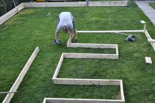 Laying out garden frame