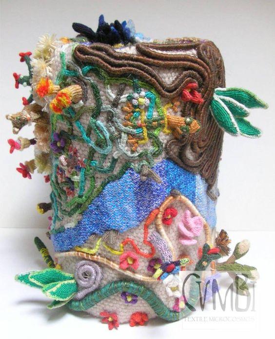 (9) Cumbi Microcosmos Textil