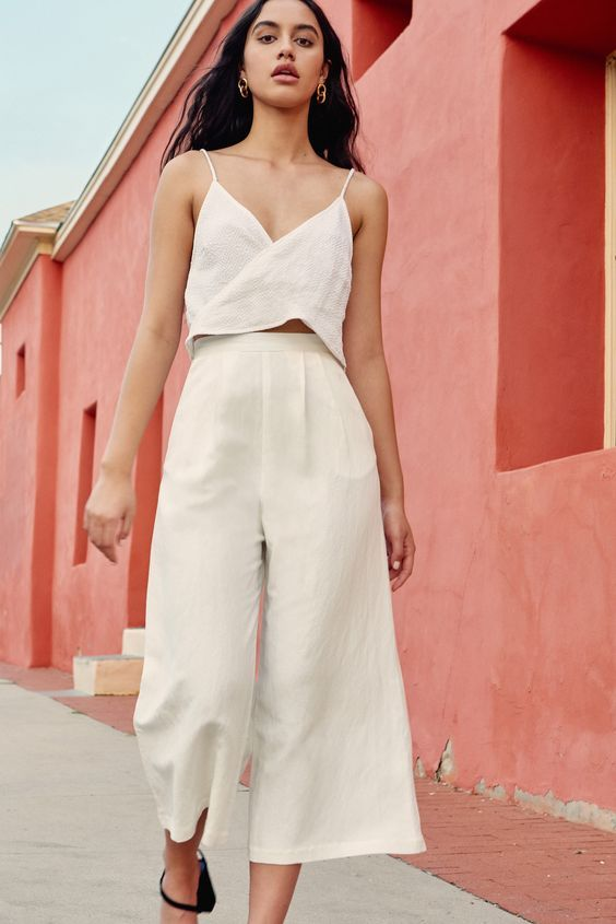 Easy Outfits for Spring Break vacation | small Cami tank and wide leg linen cropped pants | Girlfriend is Better