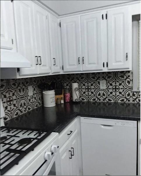 Mto0473 Classic 8x8 Deco Black White Arabesque Pattern Spanish Ceramic Mosaic Tile White Kitchen Backsplash Black And White Backsplash White Kitchen Tiles