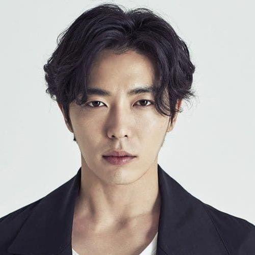 33 Asian Men Hairstyles Styling Guide Men Hairstyles World Asian Men Hairstyle Asian Hair Asian Man Haircut