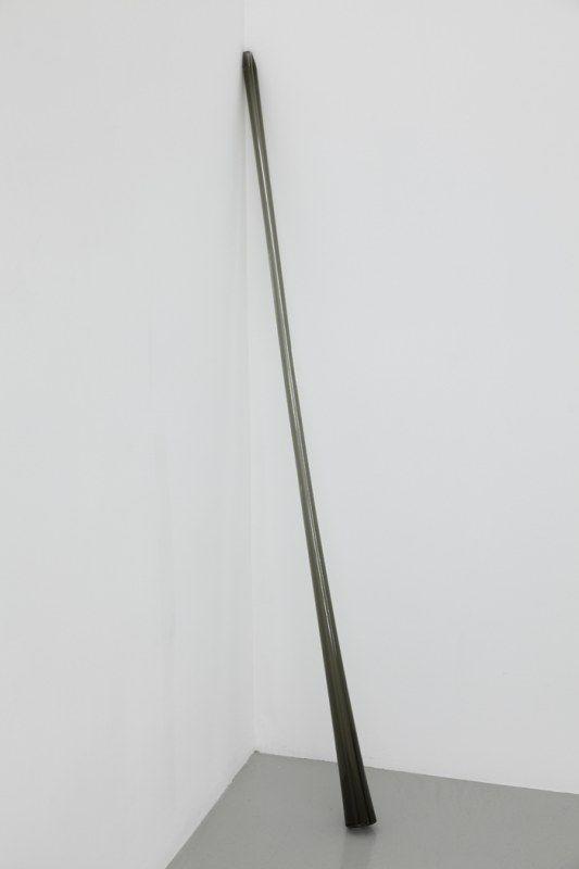 dominique blais sans titre les colonnes d air 2014 canne en verre souffl gris longueur 145. Black Bedroom Furniture Sets. Home Design Ideas