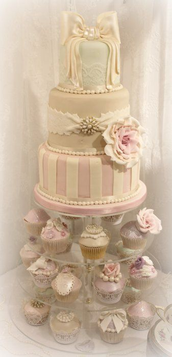 Very pretty striped cake with Rose and bows ~ with matching cupcakes ~ all edible