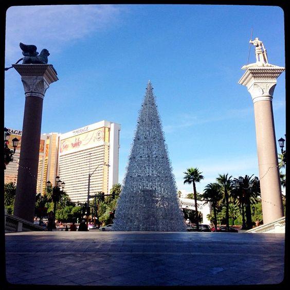 @detrichpix #christmas #vegas #lasvegas