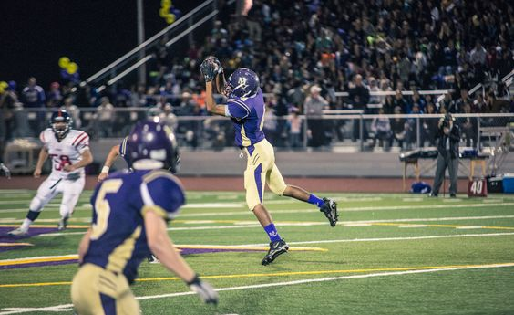Rami Dwider makes a nice catch in Monta Vista's 21-14 win over Lynbrook.