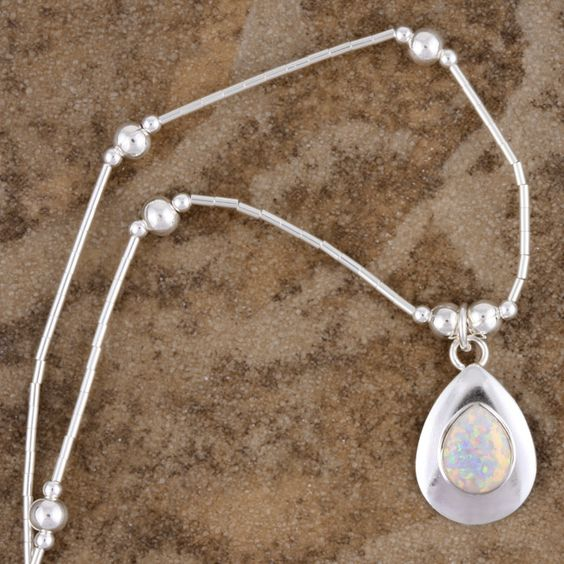 36.30€ Handcrafted Silver White Opal Pendant (India)