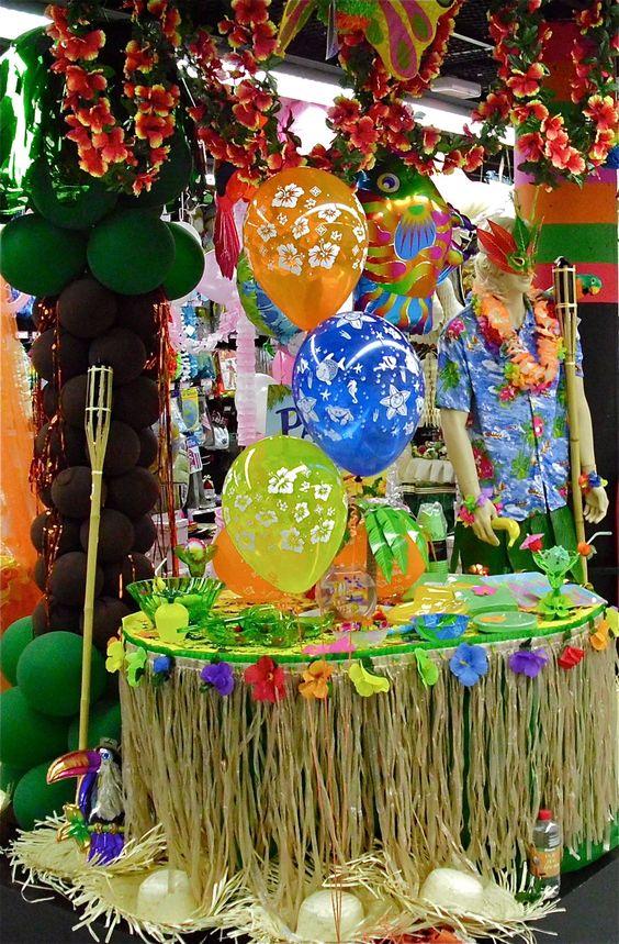 Decoración para una fiesta con temática hawaina
