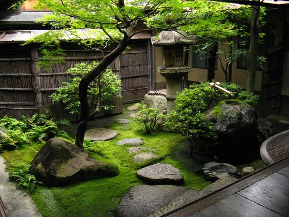 Japanese gardens gardens and courtyards on pinterest for Japanese landscaping ideas