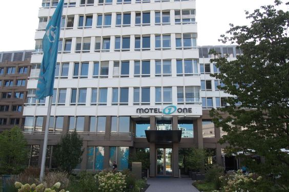 http://berufebilder.de/wp-content/uploads/2016/10/motel-one-muenchen_6.jpg Motel One München Süd: Der Budget-Business-Klassiker