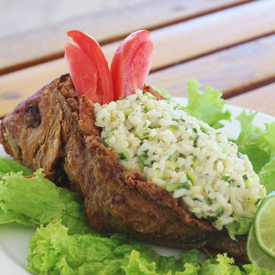 Sigues en la playa ? , disfruten de un Pescado blanco relleno de risotto de calabacín y vegetales en  @littlejohnbeach .  Playa Juanillo, #CapCana (809) 469-7727