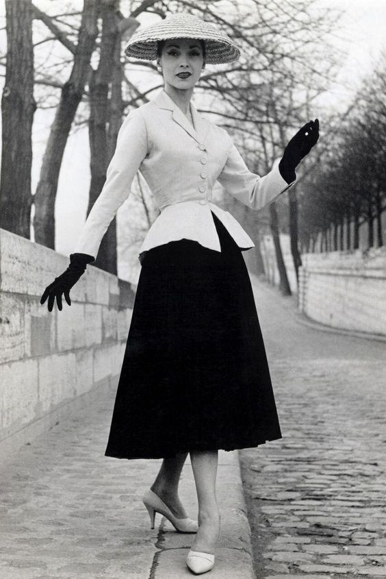 Christian Dior's New Look, 1947 #happybirthdaydior:
