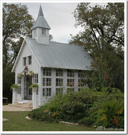 sweet little chapel :