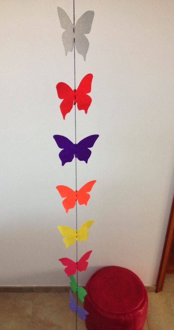My Purple Cinnamon: Guirnalda de mariposas