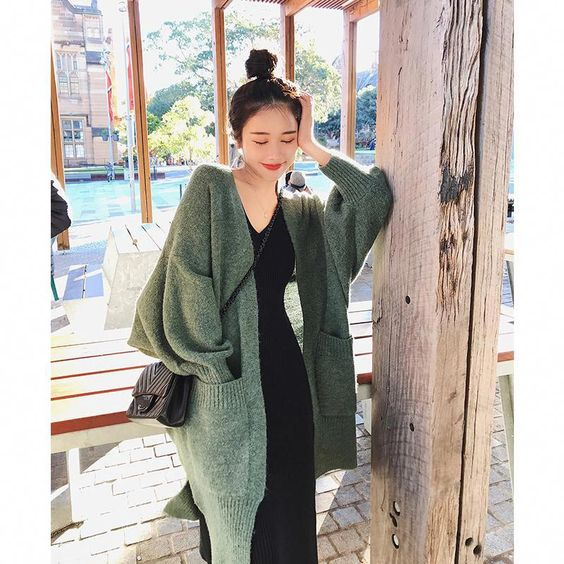 Gaya Pakaian Wanita Oversize Sweater