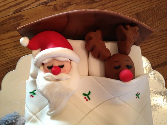 Santa and Rudolph Christmas Cake (up close and personal)!