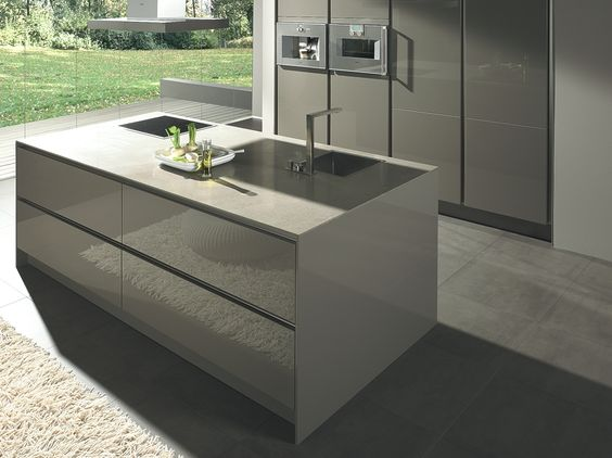 Luxury German kitchen manufacturer SieMatic launches in Quebec - http://www.adelto.co.uk/luxury-german-kitchen-manufacturer-siematic-launches-in-quebec