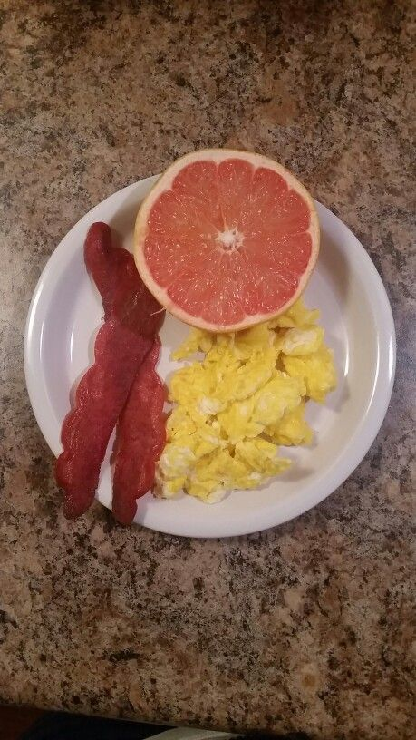 Saba 60 approved!!! 2 slices of 2 turkey bacon, 2 eggs and 1/2 a grapefruit!