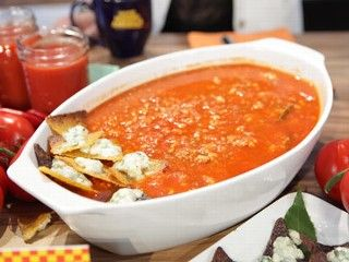 PHOTO: Rachael Ray's Buffalo Chicken Chili is seen here on Good Morning America.
